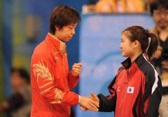 福原爱谈张怡宁:像冰块做的人 比赛不敢看她眼睛