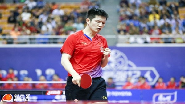 澳乒赛樊振东4-3险胜卡尔松 与许昕晋级次轮