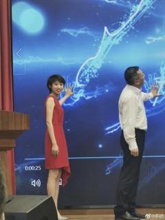 国乒昔日假小子狂瘦80多斤 一袭红裙秒变女神